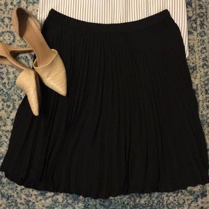 Banana Republic Pleated Business Skirt